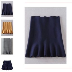 🆕Navy wool like soft skirt w/ruffle hem